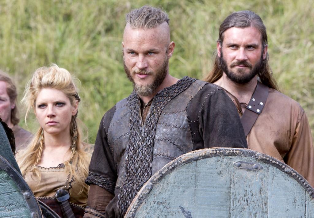 Katheryn Winnick (Lagertha Lothbrock), Travis Fimmel (Ragnar Lothbrok), Clive Standen (Rolo Lothbrok)