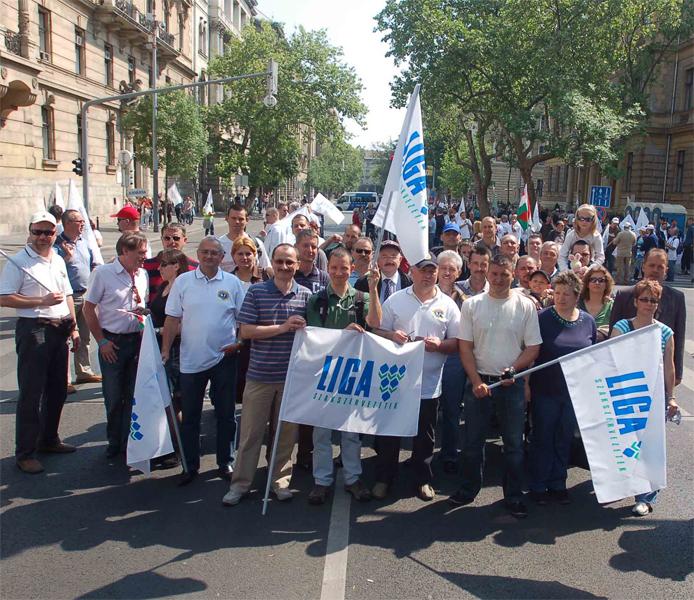 Liga tüntetés