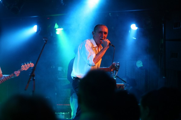 Menyhárt Jenő az Európa Kiadó új lemezbemutató koncertjén az A38 hajón (foto: europakiado.eu)