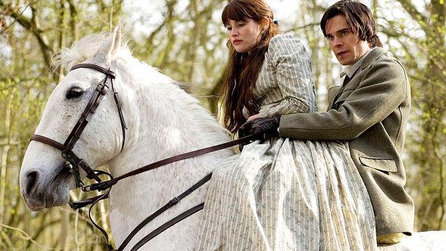 Gemma Arterton (Tess) és Hans Matheson (Alec) a BBC sorozatában